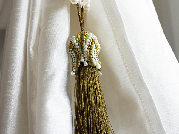 Green/cream Tulip Tassel